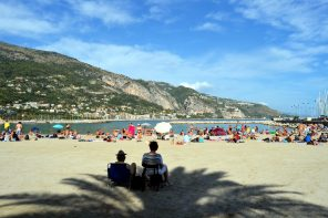 What is Menton II: Tourists and Visitors