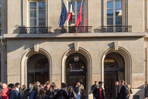 (English) Sciences Po is trying to seem less elitist, and it's hurting its students